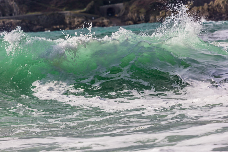 cresting wave Petit Port Guernsey 130216 ©RLLord 6087 smg