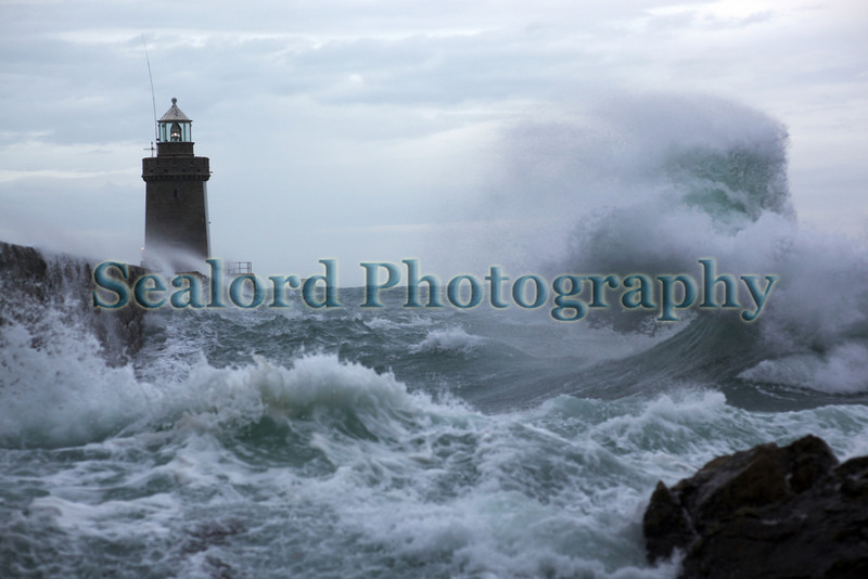 Castle Breakwater lighthouse on the morning of 20th October 2009