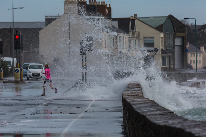Traffic lights running Belle Greve Bay large wave rough sea 100416 ©RLLord 9174 smg