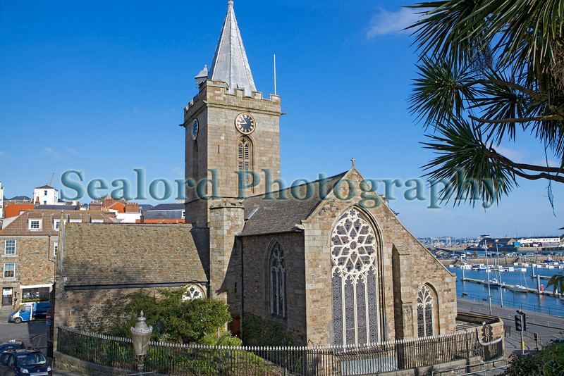 St Peter Port Town Church 170213 ©RLLord 5069 smg