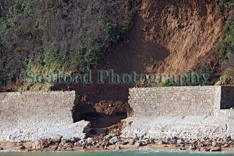 Fermain Bay sea wall collapse 070214 ©RLLord 0062 smg