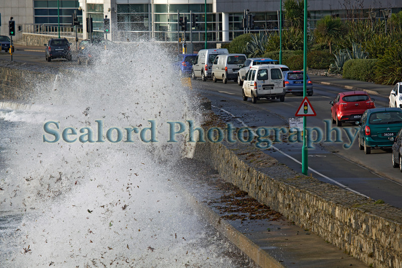 Les Banques St Peter Port water front sea spray wave morning commute 181012 ©RLLord 0746 smg