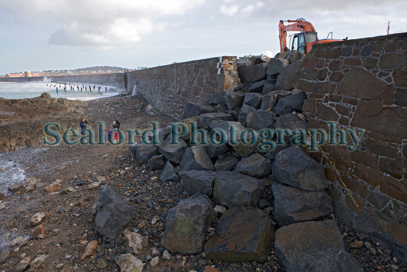 Vazon sea wall temporary repair 050314 ©RLLord 8808 smg