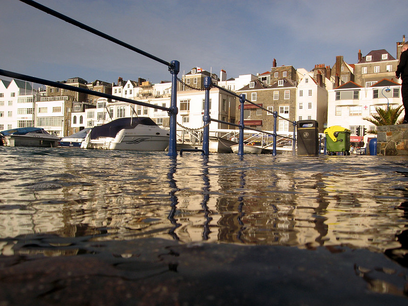 high tide St Peter Port waterfront 310306 494 smg