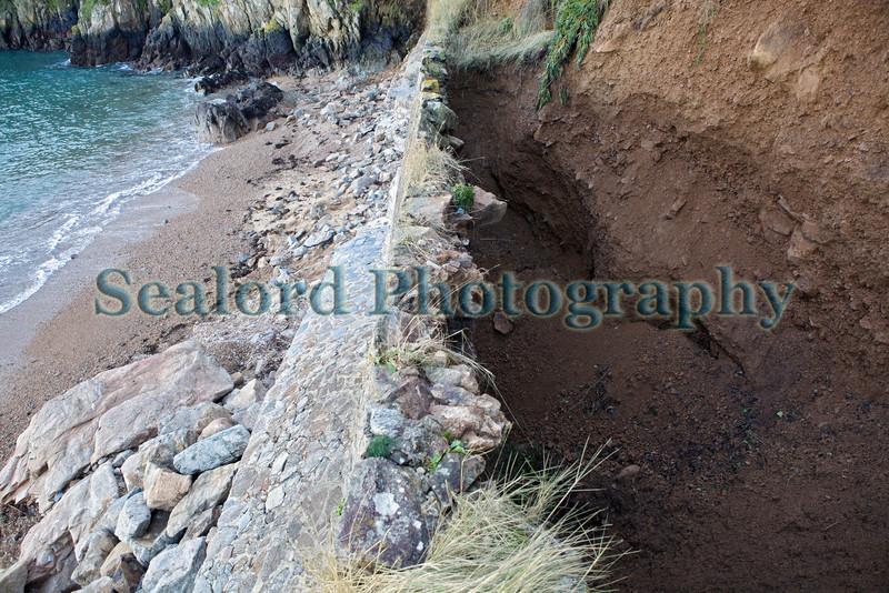 Fermain Bay sea wall storm damage 110114 ©RLLord 8149 smg
