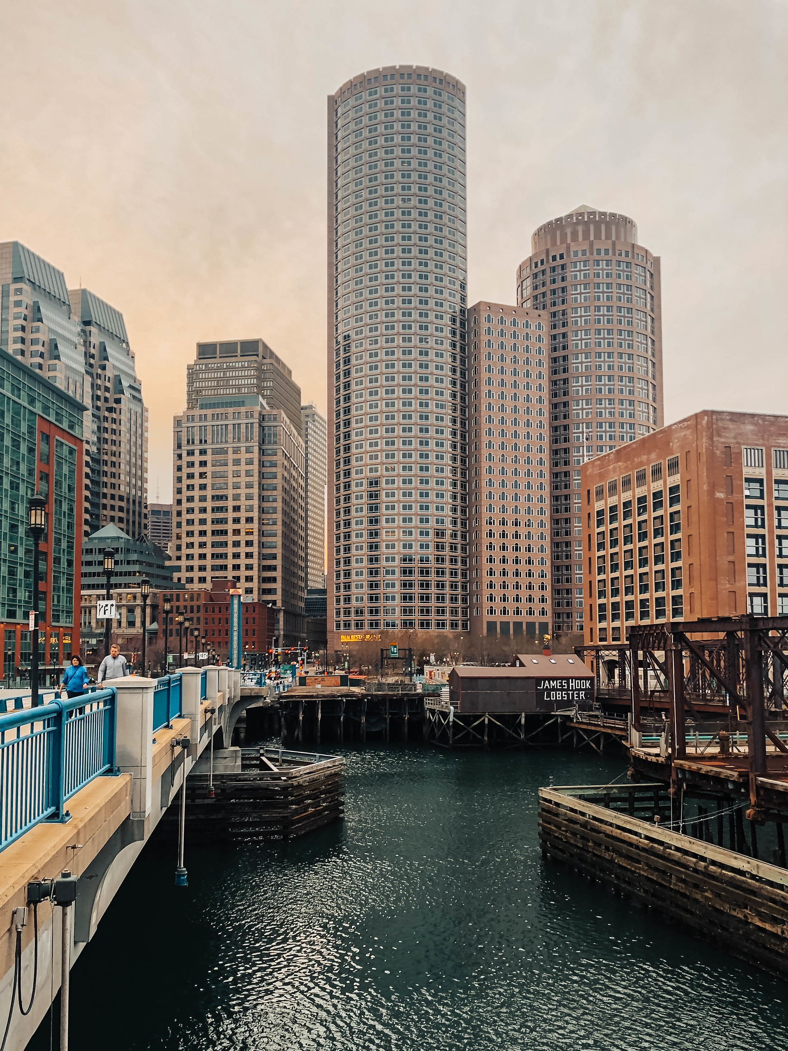 solo travel boston: enjoy these splendid views