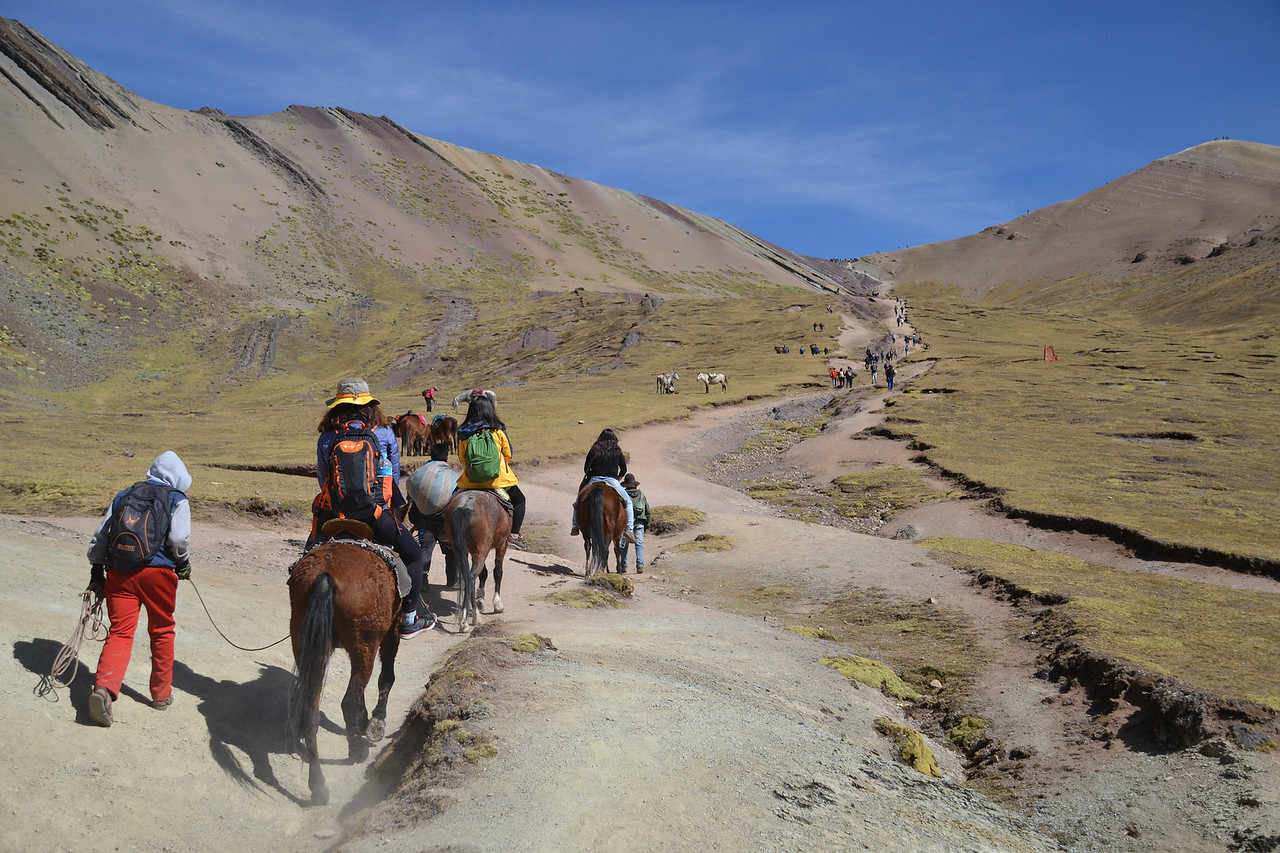 rainbow mountain Peru horse tours