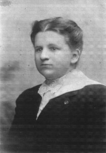 Early 1900's Edith Marie (Johnson) Keating (1883-1927). (Courtesy of Diane Eck)