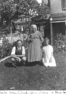"About 1929 Leon Cloud, Anna Marie (Bolton) Lukens and Marie Agnes ""Mae"" (Lukens) Staats. (Courtesy of Gotsch / Bruton)"