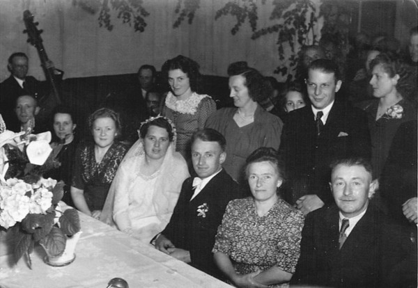 "Undated Neu St. Jurgen, Germany CENTER - Gesine ""Sina"" (Kuck) and Johann Kuck, Jr. FRONT, RIGHT - Meta (Monsees) and Johann Kück, Sr."