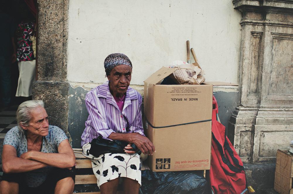 Two women begging on the streets of Rio de Janeiro, Brasil