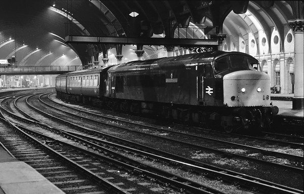 45143 stands at York pl 9 on a NB working 29/12/84