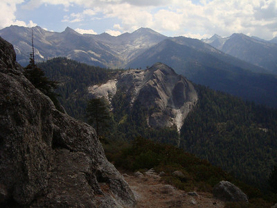 A view along the High Sierra trail looking towards Bearpaw Meadows