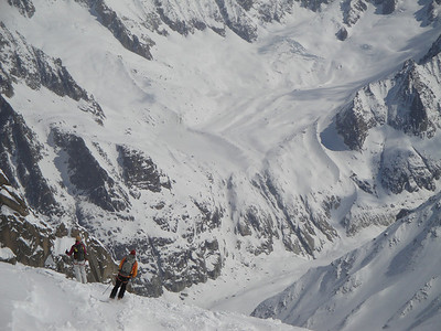 Looking down from the Plan de Envers glacier ski