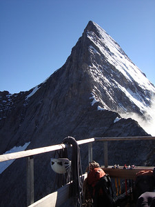 A view of the Mittelegi Ridge from the Mitellegi Hut
