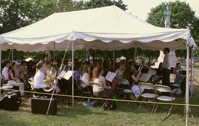 IMG_0789-06-22-05-GHS-Graduation-warmup
