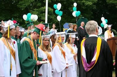 IMG_0831-06-22-05-GHS-Graduation-Honoring-Retirees