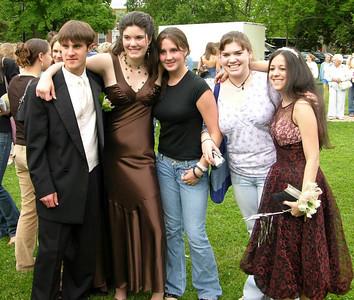 N2913-06-03-05-Senior-Prom
