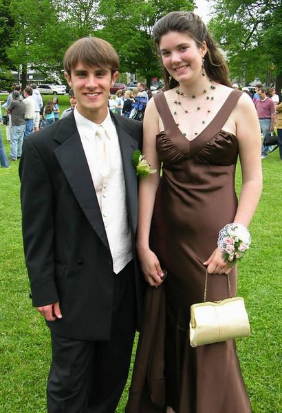 N2893-06-03-05-Senior-Prom
