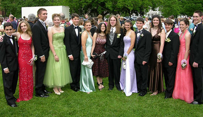 N2923-06-03-05-Senior-Prom