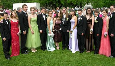 N2922-06-03-05-Senior-Prom