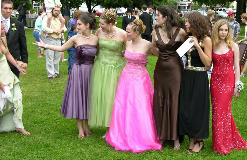 N2930-06-03-05-Senior-Prom
