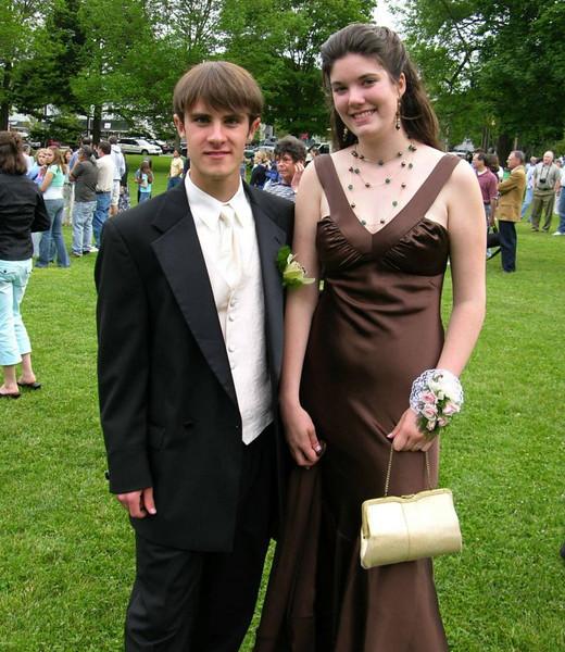 N2894-06-03-05-Senior-Prom