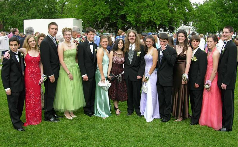 N2924-06-03-05-Senior-Prom