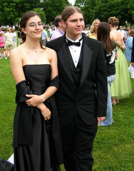 N2901-06-03-05-Senior-Prom