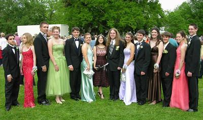 N2927-06-03-05-Senior-Prom