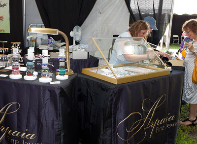 Shoreline Wine Fest-jlb-08-11-13-8657