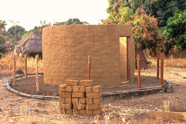 Building an African Mud Hut