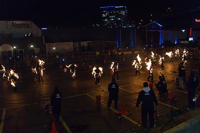The most people performing simultaneous full body burns is 21 and was achieved during an event organized by Ted Batchelor and Hotcards.com (both USA) at the Hotcards Burn in Cleveland, Ohio, USA on 19 October 2013.  All rights reserved Guinness World Records