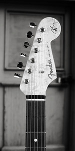 Fender Strat Guitar in Black and White 210.2110A