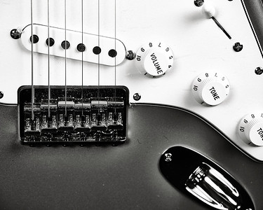 Fender Strat Guitar in Black and White 211.2110A
