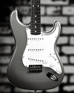 Fender Strat Guitar in Black and White 207.2110A