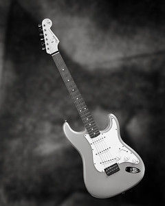 Fender Strat Guitar in Black and White 202.2110A