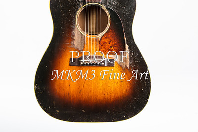 428.1834 Gibson J45 In Color