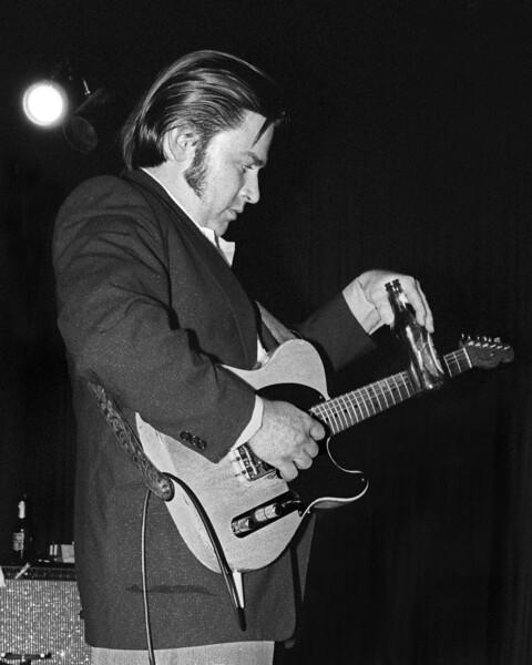 Danny Gatton performing live with Robert Gordon at the Berkeley Square in Berkeley, CA on May 10, 1981.