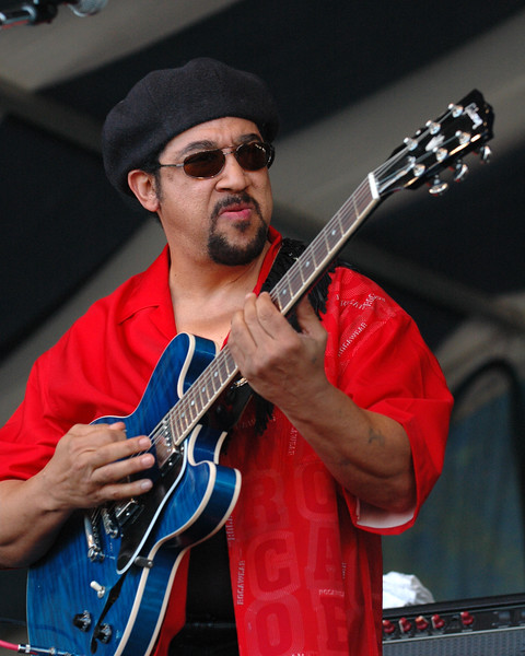 Leo Nocentelli performs with the Original Meters at the 2005 New Orleans Jazz & Heritage Festival