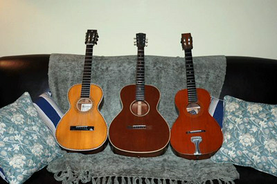 (center) Gibson L-1 with two Supertone Flattops