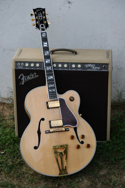 Gibson Super 400 and Fender Vibro King amp