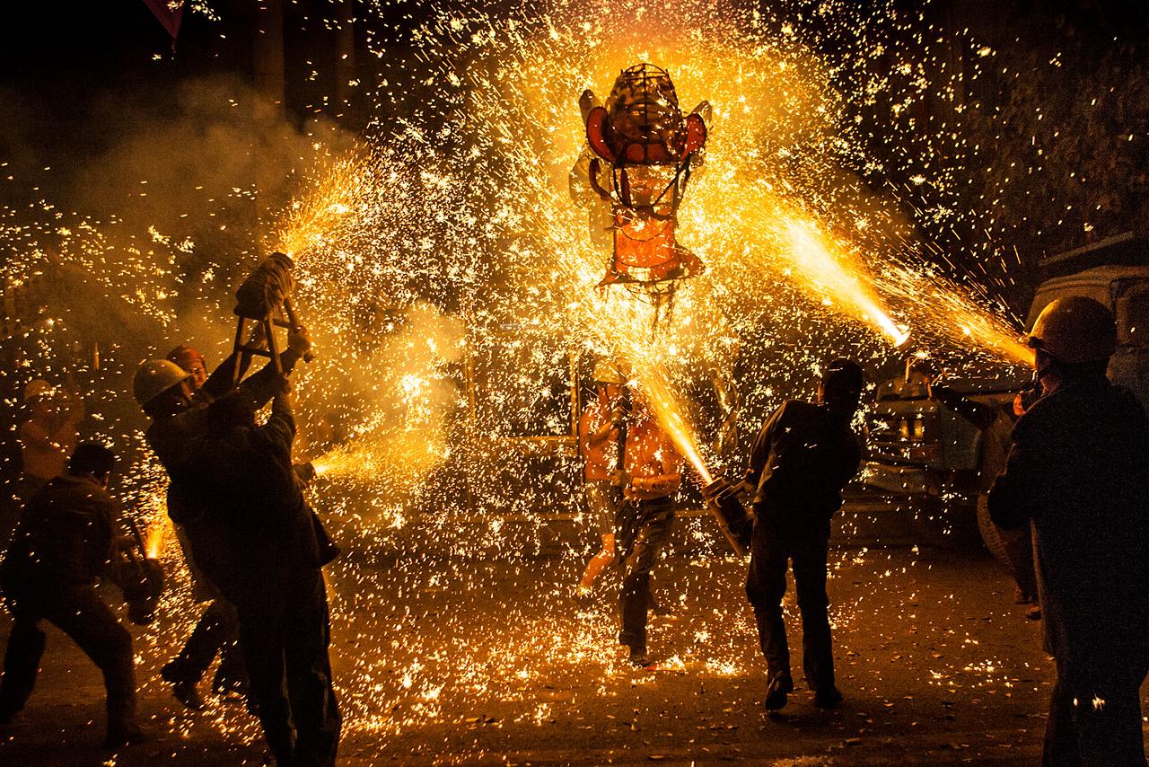 Setting the dragon on fire, Taijiang.