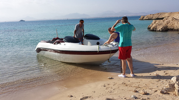 After seeing the wrecks,we land on the Saudi owned island of Tiran.