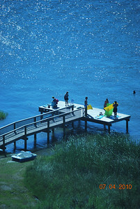 SANIBEL, Our dock on Little Lagoon just behind condos - bring your kayaks, floats, boats, jet skis, and enjoy the smooth waters!