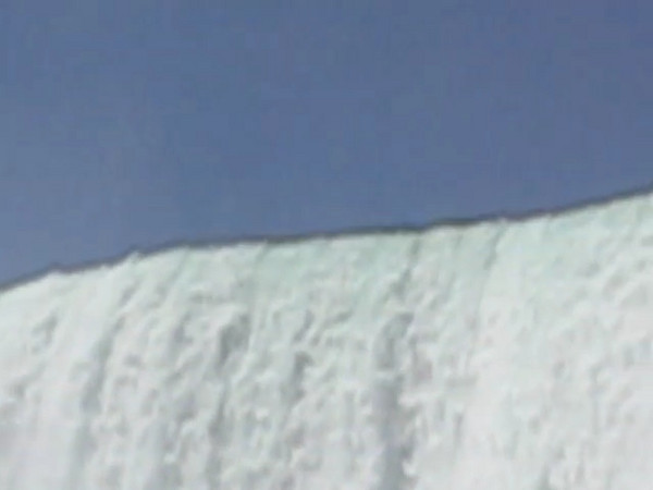 BR-Vidio5: Reunion tour on the Maid of the Mist at Niagara Falls