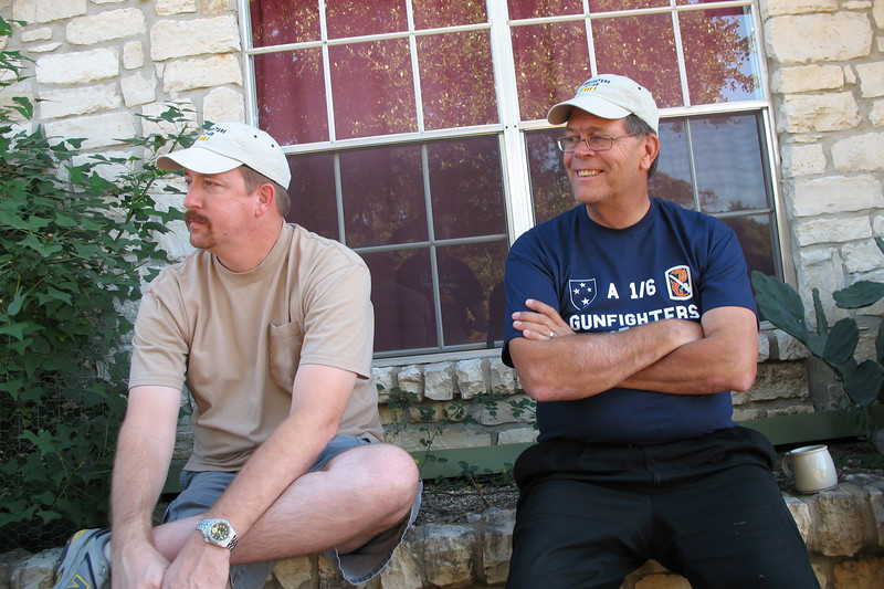 TR07-24: Jeff Allen and Jim Turner (TX), 4th platoon, enjoy good times in the front yard.