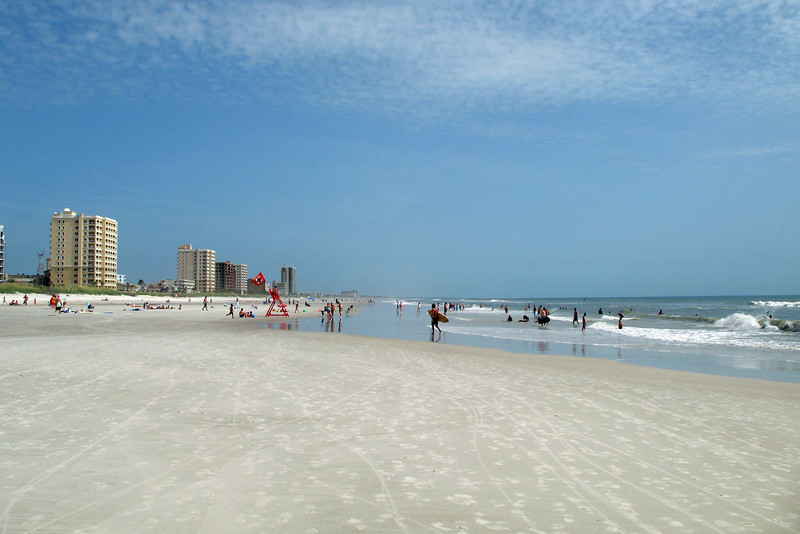 JR04: Some good beaches just 15 miles east of Jacksonville.  Really nice coastline in this area.