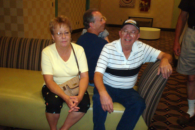 BCR-018 Brenda and Tommy Foley, TX, mentally count up their losings at the casino, while Larry Watson picks Tommy's pocket.