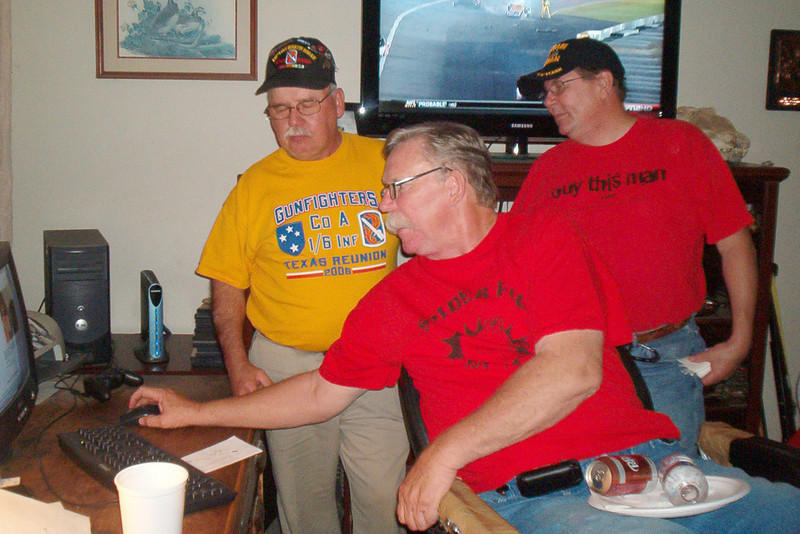 "TX-09-MINI-01: Paul Senick, PA, Alan Allen, TX, and Jerome ""Buddy"" Meyer check the A Company website."